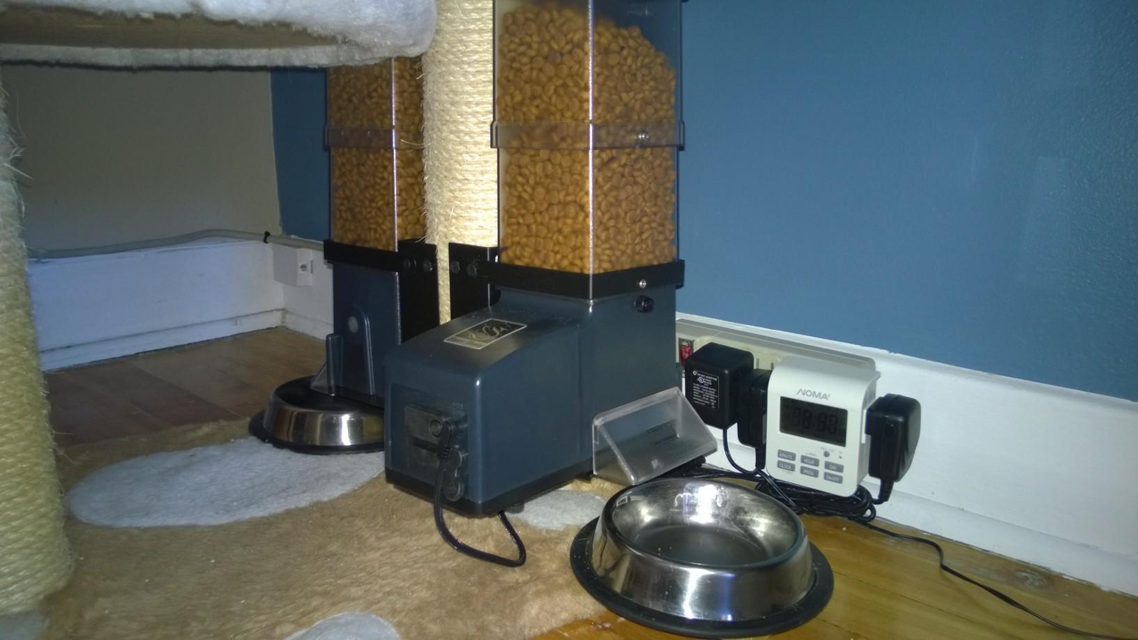Csf  Cat Small Animal Super Feeder